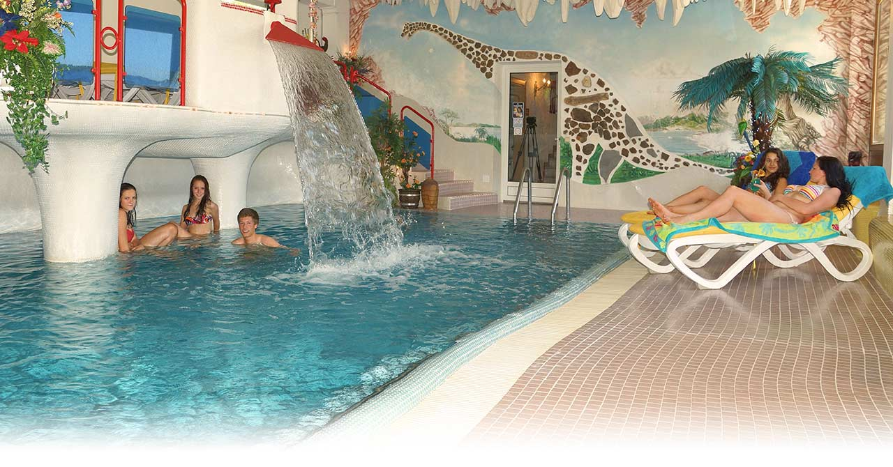 Design#5001799: Indoor pool & wellness - hotel glocknerhof in carinthia - summer .... 15 Designs Wasserfall Swimming Pool