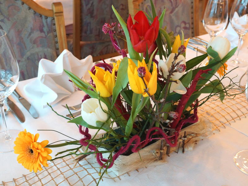 Example for table decoration in spring